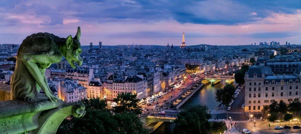 paris by night la Seine