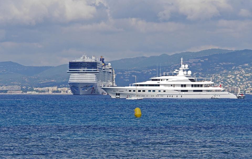 Location d'un yacht à quai pour le MIPTV à Cannes